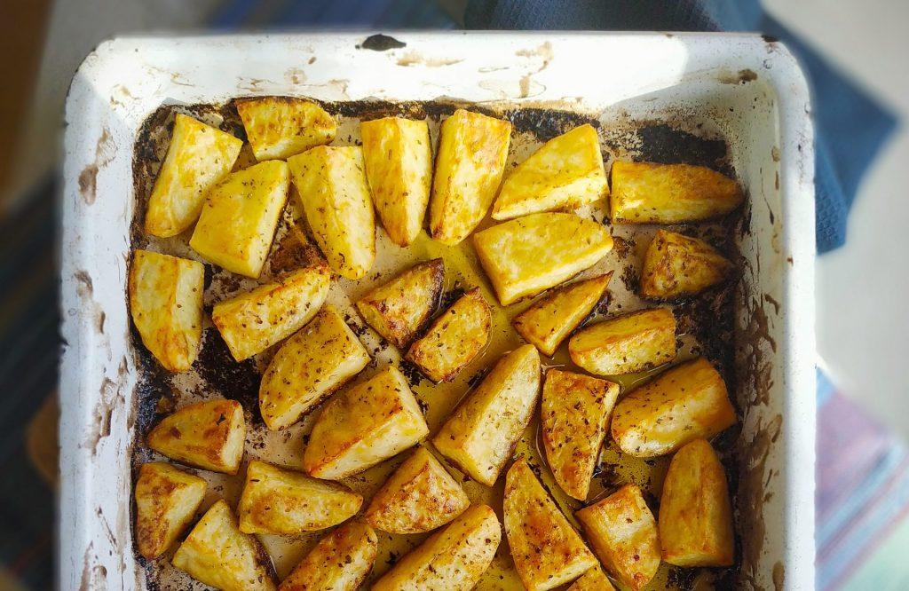 polikala patates lemonaes greckie pieczone ziemniaki z cytryną