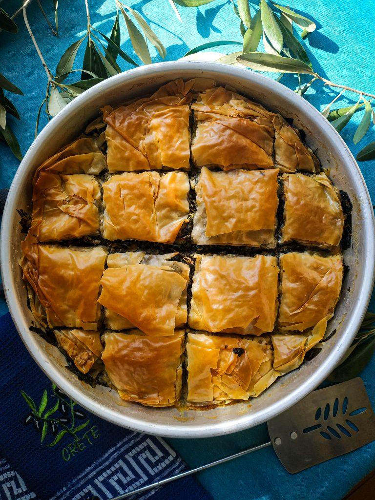 polikala spanakopita grecka kuchnia grecki placek ze szpinakiem greckie ciasto ze szpinakiem
