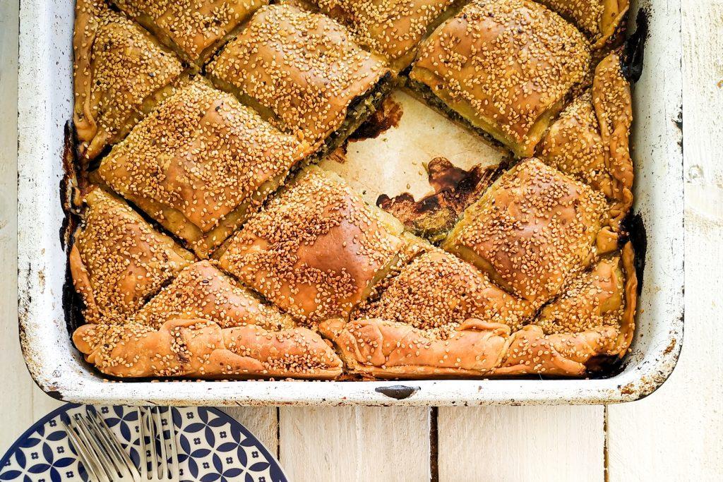 polikala hortopita placek z dziką zieleniną grecka pita grecki placek